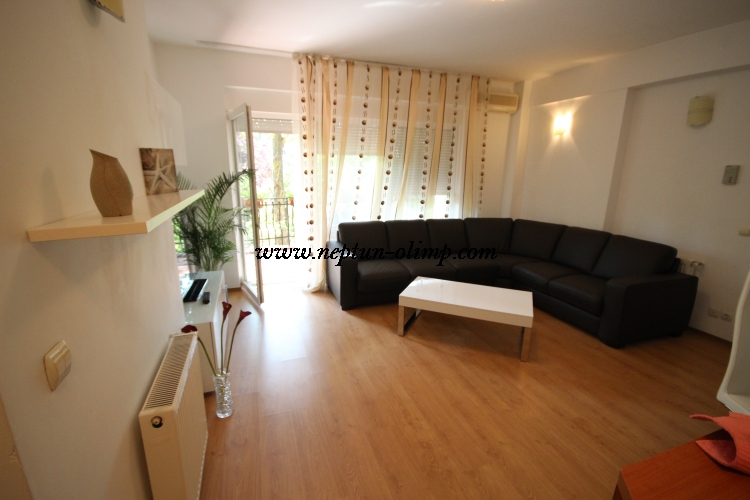 Club Topaz Neptun *** Apartament 12B